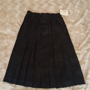 NWT Susan Bristol pleated black skirt sz MEDIUM